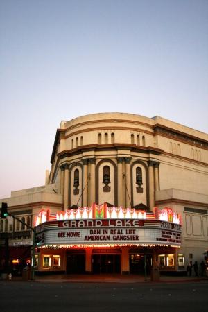 Grandlake Theatre